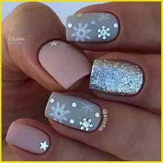 Diy Christmas Nail Art, Christmas Nail Art Designs, Winter Nail Designs, Christmas Ideas, Nail Designs For Kids, Disney Christmas Nails, Snowflake Nail Design, Christmas Parties, Elegant Christmas