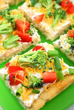 Beyond Cake Balls: 17 Healthy Baby Shower Snacks - Cold Veggie Pizza? Pizza Appetizers, Appetizer Recipes, Snack Recipes, Cooking Recipes, Pizza Recipes, Finger Food Recipes, Vegetable Appetizers, Chicken Appetizers, Vegetable Recipes