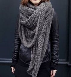 Knitting inspiration: very loose knit wrap in moody color