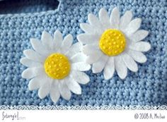 Alice at Futuregirl shows you how to make a simple felt daisy, perfect for embellishing your Spring/Summer accessories.