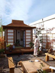 Japanese tea house...in your own garden!!! I soooooo want one of these!!!