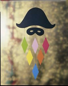 30 idéias para criar com crianças no carnaval - Basteln - Theme Carnaval, Diy For Kids, Crafts For Kids, Make Wind Chimes, Carnival Crafts, Diy And Crafts, Arts And Crafts, Hanging Mobile, Mobile Mobile