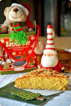 Κέικ βασιλόπιτα Greek Desserts, Greek Recipes, Cake Cookies, Cupcake Cakes, Cupcakes, New Year's Cake, Xmas Food, Christmas Love, Different Recipes