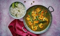 King prawns in coconut curry sauce.