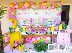 Festa Flamingo: 90 fotos + tutoriais para uma comemoração incrível Baby Shower Decorations, Wedding Decorations, Flamingo Rosa, Flamingo Painting, Flamingo Birthday, Birthday Parties, Neon, Party, Baby Showers