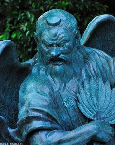 Tengu statue