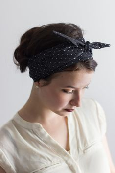 Handmade and designed by the Sassy Sparrow team out of cotton this headwrap is a fun and stylish way to keep your hair out of the way. They are simple and easy to tie and give you that definite throwb
