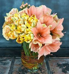 Amaryllis and parrot tulips Parrot Tulips, Most Beautiful Flowers, Garden Styles, Spring Time, Floral Arrangements, Wedding Flowers, Floral Design, Cool Designs, Centerpieces