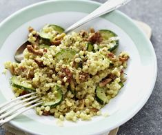 A world of Thermomix® recipes - Cookidoo® brings you delicious food all over the world. With thousands of recipes and ideas, you'll find mouth-watering inspiration every time you log in. Almond Butter Nutrition, Zucchini, Peanut Curry, Barley Risotto, Pearl Barley, Rice Pasta, Dry White Wine, Chickpea Salad, Food Shows