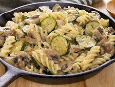 Egy finom Cukkinis-gombás tészta ebédre vagy vacsorára? Cukkinis-gombás tészta Receptek a Mindmegette.hu Recept gyűjteményében!