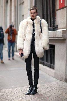 Oversized fur  #nyfw #fashionweek