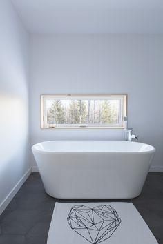 MAISON UNIFAMILIALE SAINT-SAUVEUR — DKA Architectes Saint Sauveur, Forest House, Farm House, Ski Chalet, House Rooms, House Plans, Bathtub, House Design, Bathroom