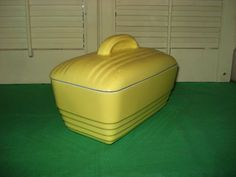 VINTAGE HALL POTTERY WESTINGHOUSEYELLOW REFRIGERATOR COVERED DISH LOAF PAN