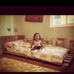 Pallet bed, making one of these for jocelynne :) maybe a little different style and add some color