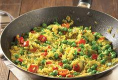 Ρύζι με λαχανικά και κιτρινόριζα-featured_image Greek Recipes, Rice Recipes, Grain Salad, Food Categories, Healthy Cooking, Fried Rice, Guacamole, Risotto, Grains