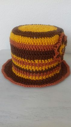 Crochet vintage toilet roll cover. Wc rol houder haken.