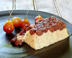 Caramel dipped-Grapes with Blue Camembert