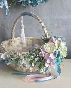 Basket Crafts, Bunny Crafts, Flower Girl Crown, Flower Girl Basket, Diy Craft Projects, Crafts For Kids, Cement Crafts, Ribbon Art, Basket Decoration