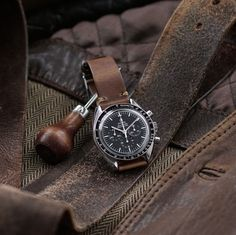 B & R Bands Natural Horween Chromexcel vintage Leather Watch Band Strap on the Omega Speedmaster moon watch Omega Speedmaster Moon, Band B, Watches Photography, Bracelet Cuir, Cool Watches, Men's Watches, Leather Watch Bands, Luxury Watches For Men, Beautiful Watches