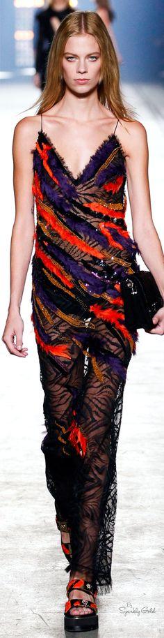 Versace Spring 2016 RTW работа, девушка, рубеж, австралия, турция, сша, америка, граница http://escort-journal.com/