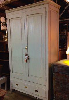 5 ideas para tunear un armario y dar un nuevo estilo a tu for Tunear muebles antiguos