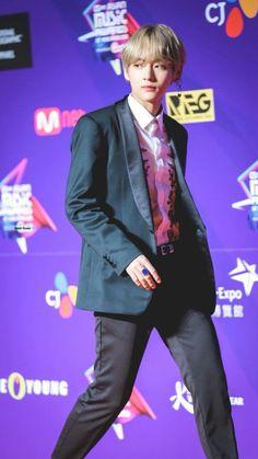 Credit to photo's owner. Repost by Rain. Do not delete. Kim Taehyung, Taehyung 2017, Handsome Faces, Kpop, Daegu, Taemin, Bts Bangtan Boy, Bts Boys, Jung Hoseok