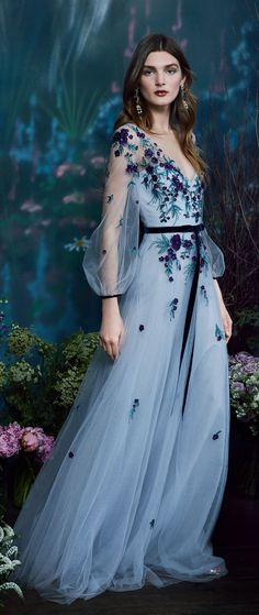 Marchesa Notte Pre-Fall 2019 Fashion Show Evening Dresses For Weddings, Evening Gowns, Wedding Dresses, Vestidos Marchesa, Elegant Dresses, Pretty Dresses, Ball Dresses, Ball Gowns, Honeymoon Dress