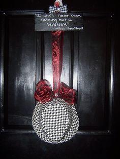 Alabama Crimson Tide Houndsooth Door Hanger. $35.00, via Etsy.  (Love, Love, Love)