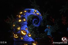 'Halloween Time' kicked off at Disneyland this past Friday, September 12th through October 31st. Take a look at Disney Geeks for AllEars.Net's Photos and walk through of the, original Happy Place, Disneyland! http://land.allears.net/blogs/lauragilbreath/ | #Disneyland #HalloweenTime #Spooky #LeftCoast #WestCoast #DisneyHalloween
