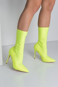 Side View Cape Robbin Super Fly Stretchy Lycra Booties in Neon Yellow Goth Platform Boots, High Heel Boots, Shoe Boots, Green High Heels, Yellow Heels, Neon Yellow, Neon Heels, Shoes Heels, Dress Shoes