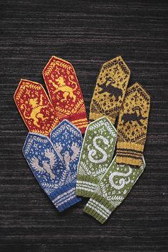 Hogwarts Houses Mittens by Dianna Walla on . - Hogwarts Knitting Club - Knitting Ideas Hogwarts Houses Mittens by Dianna Walla on… - Hogwarts Knitting Club knitting club Record of Knitting Wool spinning, wea. Knitting Club, Knitting Kits, Fair Isle Knitting, Loom Knitting, Free Knitting, Knitting Projects, Knitting Patterns, Knitting Tutorials, Knitting Ideas
