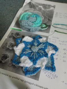 Horgolt brossok. (Crocheted brooches) #crochet #brooch #flower #blue