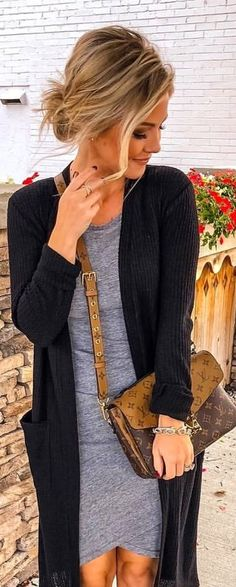 I like the crossed hem of this dress! I am not sure but I think it would be really flattering for my bigger thighs! Fall Winter Outfits, Winter Style, Autumn Winter Fashion, Passion For Fashion, Love Fashion, Fashion Beauty, Bigger Thighs, Mode Outfits, Fashion Outfits