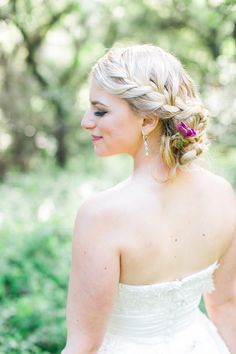 Beautiful braided hairstyle | Caitlin Turner Photography | Bridal Musings Wedding Blog
