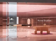 The new signature store design of fashion label Acne Studios Retail Interior Design, Retail Store Design, Retail Stores, Showroom Design, Store Interiors, Dark Interiors, Store Concept, Up House, Retail Space