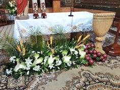 Visit the post for more. Altar Flowers, Church Flower Arrangements, Church Flowers, Floral Arrangements, My Flower, Flower Pots, Holy Thursday, Altar Decorations, Mary And Jesus