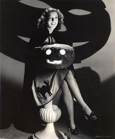 1941 Ellen Drew vintage Halloween Photo with pumpkins