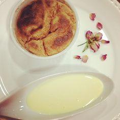 Para a sobremesa: sufle de goiabada com calda de catupiry!