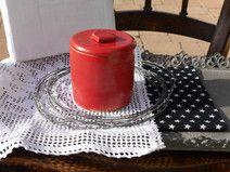 *rot-grüne Dose  mit Keramikdeckel *