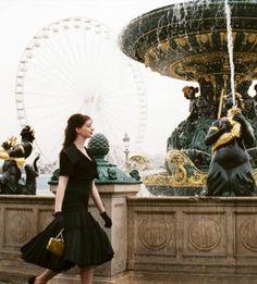 go-to-barneys:    suicideblonde:    Anne Hathaway in The Devil Wears Prada    LOVE THID MOVIE<3