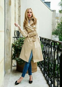 Beige trench coat, skinny jeans and Salvatore Ferragamo ballerinas for 9 to 5 chic - Outfit ideas for work - #office #style