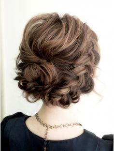 アルコバレーノ 渋谷(Arcobaleno) ルーズ編み込み 愛されアレンジ Plaits Hairstyles, Braided Hairstyles, Long Hair Upstyles, Wedding Hair And Makeup, Hair Makeup, Cool Haircuts For Girls, Wedding Guest Hairstyles, Hair Arrange, Hair Designs