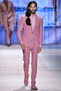 Pantone 2016 is declared: color of the year is. Rose Quartz and Serenity Coral Pantone, Pantone 2016, Pantone Color, Mode Masculine, Blue Photography, Fashion News, Fashion Beauty, Men's Fashion, Watermelon Man