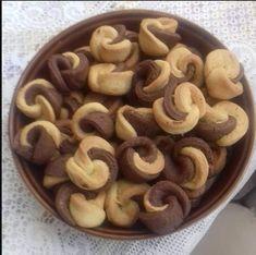 Υπέροχα γευστικά Κουλουράκια πορτοκαλιού – Νηστίσιμα Greek Recipes, My Recipes, Dessert Recipes, Cooking Recipes, Desserts, Biscotti Cookies, Cookie Cups, Chocolate Lovers, Cooking Time