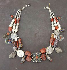 colectors piece kabyl silver necklace with enamel and good real corals