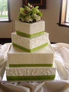 Beautiful green and white square cake - this has real style!