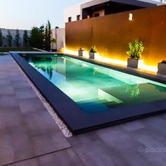 Ideas para la construcción de tú piscina minimalista - Piscinas OSCER Small Backyard Pools, Swimming Pools Backyard, Swimming Pool Designs, Backyard Patio, Outdoor Pool, Terrace Design, Patio Design, Ideas De Piscina, Piscina Rectangular