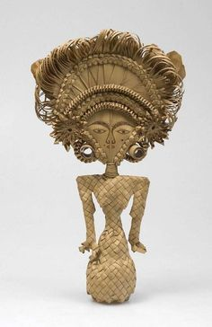 Woven from lontar-palm leaf, this is Cili, a doll or effigy of the rice and fertility goddess Dewi Sri, a pre-Hindu deity worshipped in Bali. Balinese ricefields are peppered with shrines to Dewi Sri Java, Corn Dolly, Asian Sculptures, Indonesian Art, Asian Art Museum, San Francisco Museums, Hindu Deities, Hinduism, Effigy
