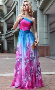 Bridesmaid Dresses & Gown Photos - Find the perfect bridesmaid dress pictures at WeddingWire. Browse through thousands of wedding photos of bridesmaid dresses and gowns. A Line Evening Dress, Formal Evening Dresses, Evening Gowns, Strapless Dress Formal, Pagent Dresses, Bridesmaid Dresses, Beach Bridesmaids, Glamour, Beautiful Gowns