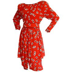 Pre-owned James Galanos Vintage Red Poppy Print Belted Silk Dress (2.835 BRL) ❤ liked on Polyvore featuring dresses, red, pre owned dresses, preowned dresses, peplum dress, vintage dresses and poppy dress